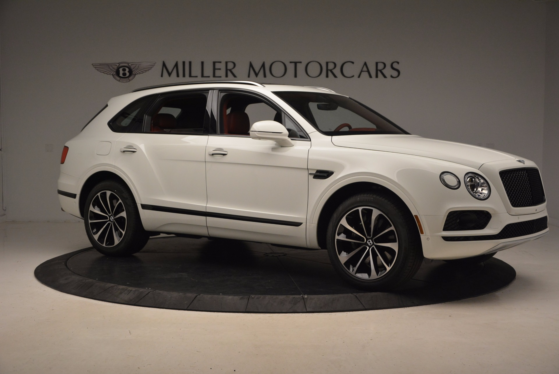New 2018 Bentley Bentayga Onyx | Greenwich, CT
