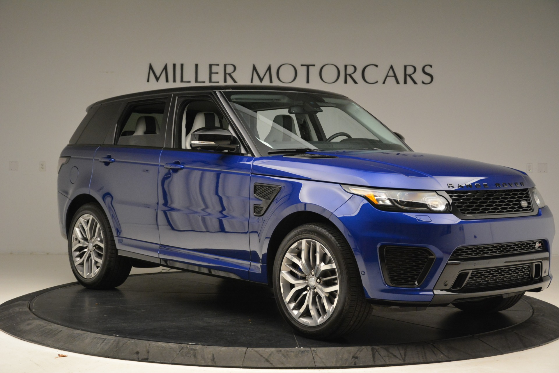 Used 2015 Land Rover Range Rover Sport SVR | Greenwich, CT