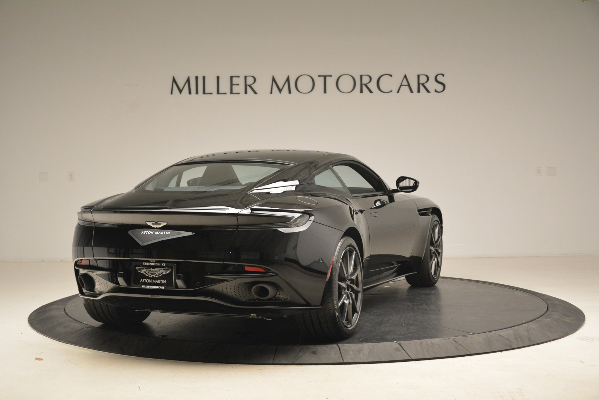 New 2018 Aston Martin DB11 V8 Coupe | Greenwich, CT