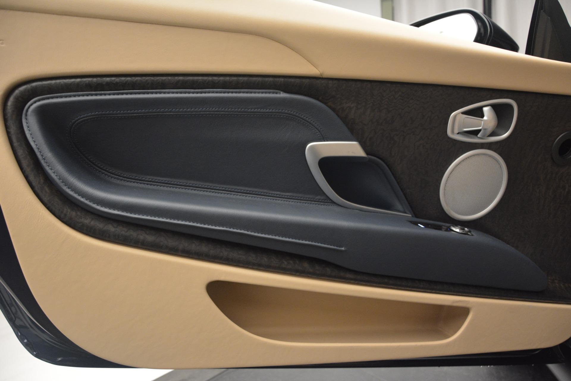 New 2019 Aston Martin DB11 Volante Volante   Greenwich, CT