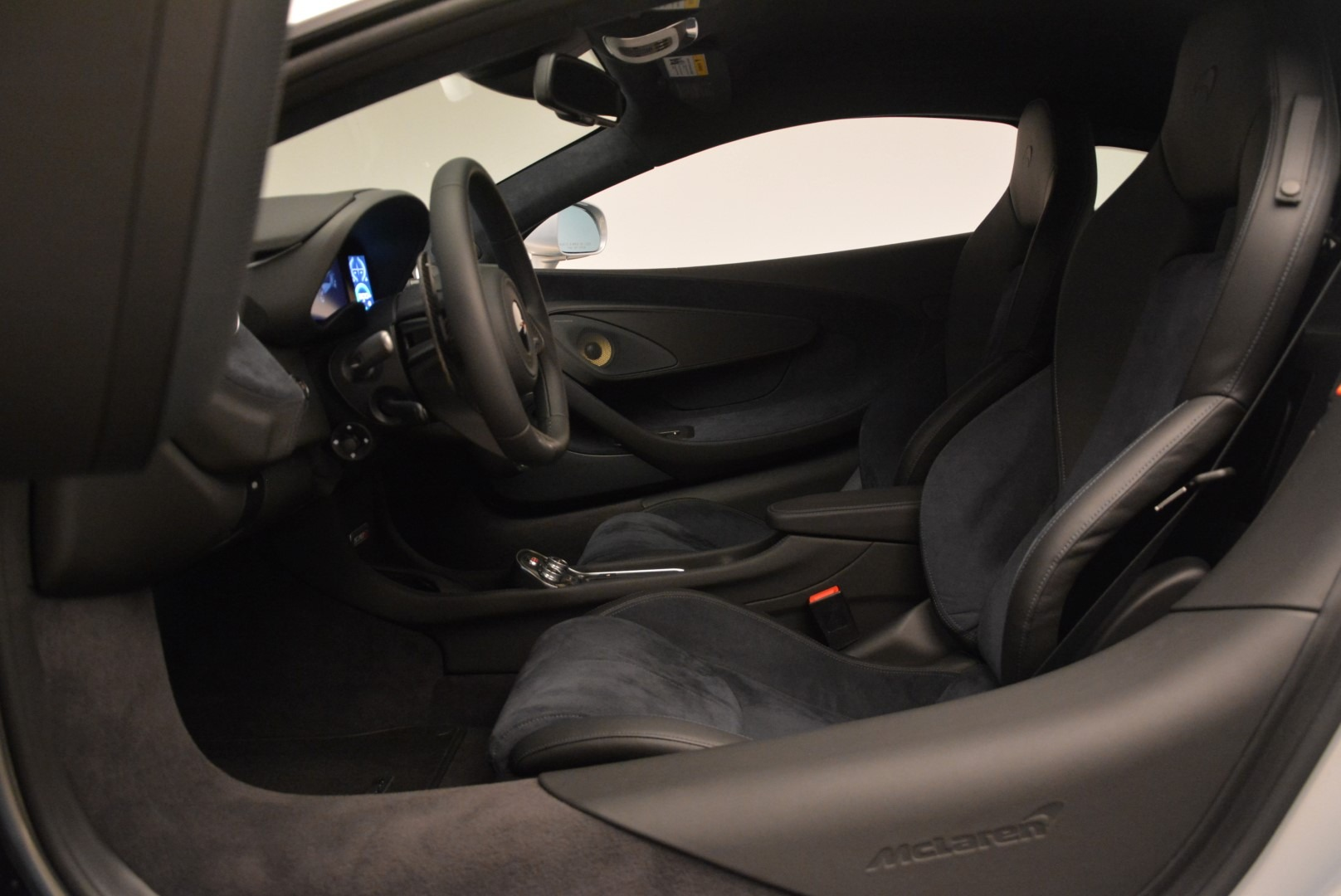 Used 2017 McLaren 570S Coupe   Greenwich, CT