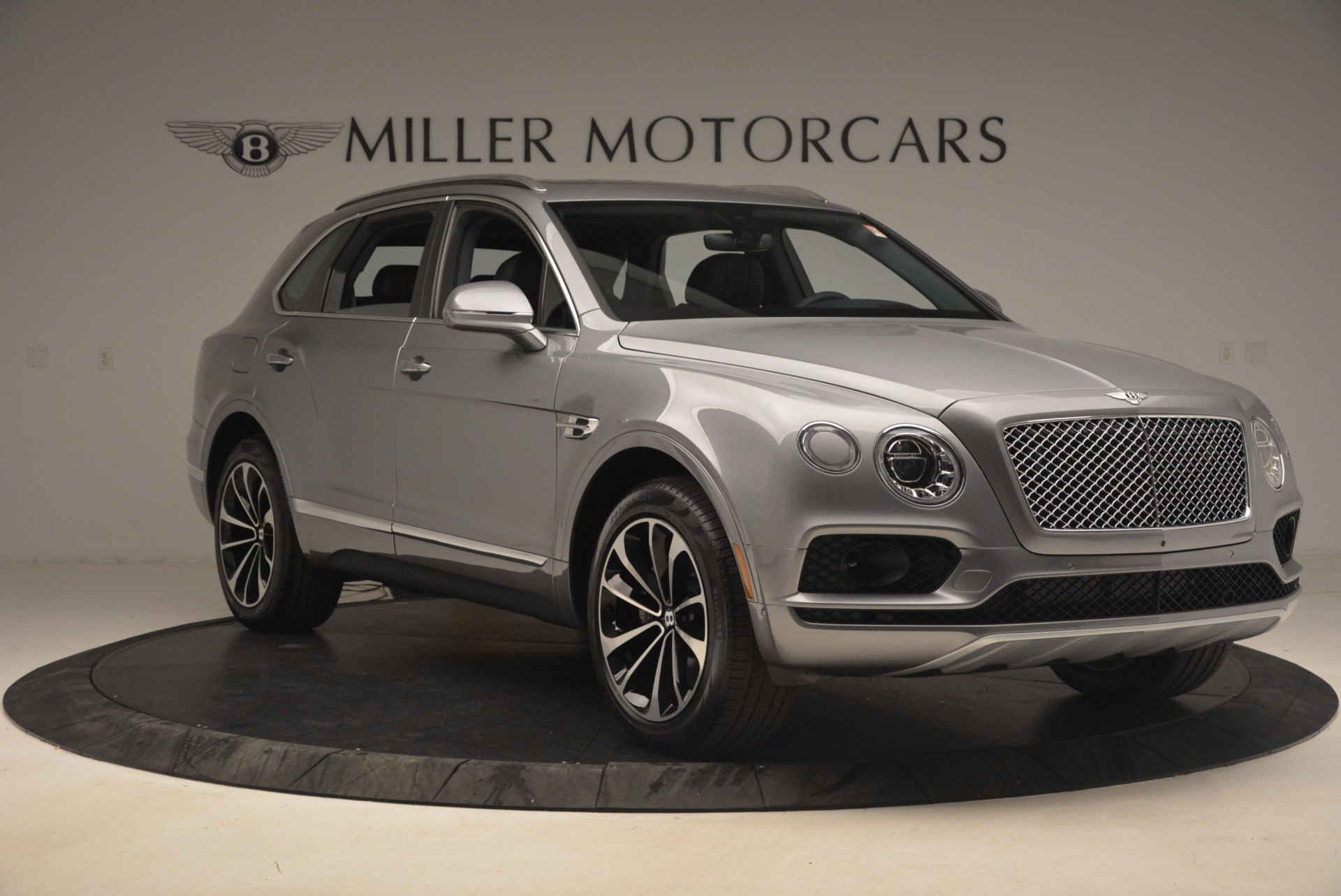 New 2018 Bentley Bentayga Onyx