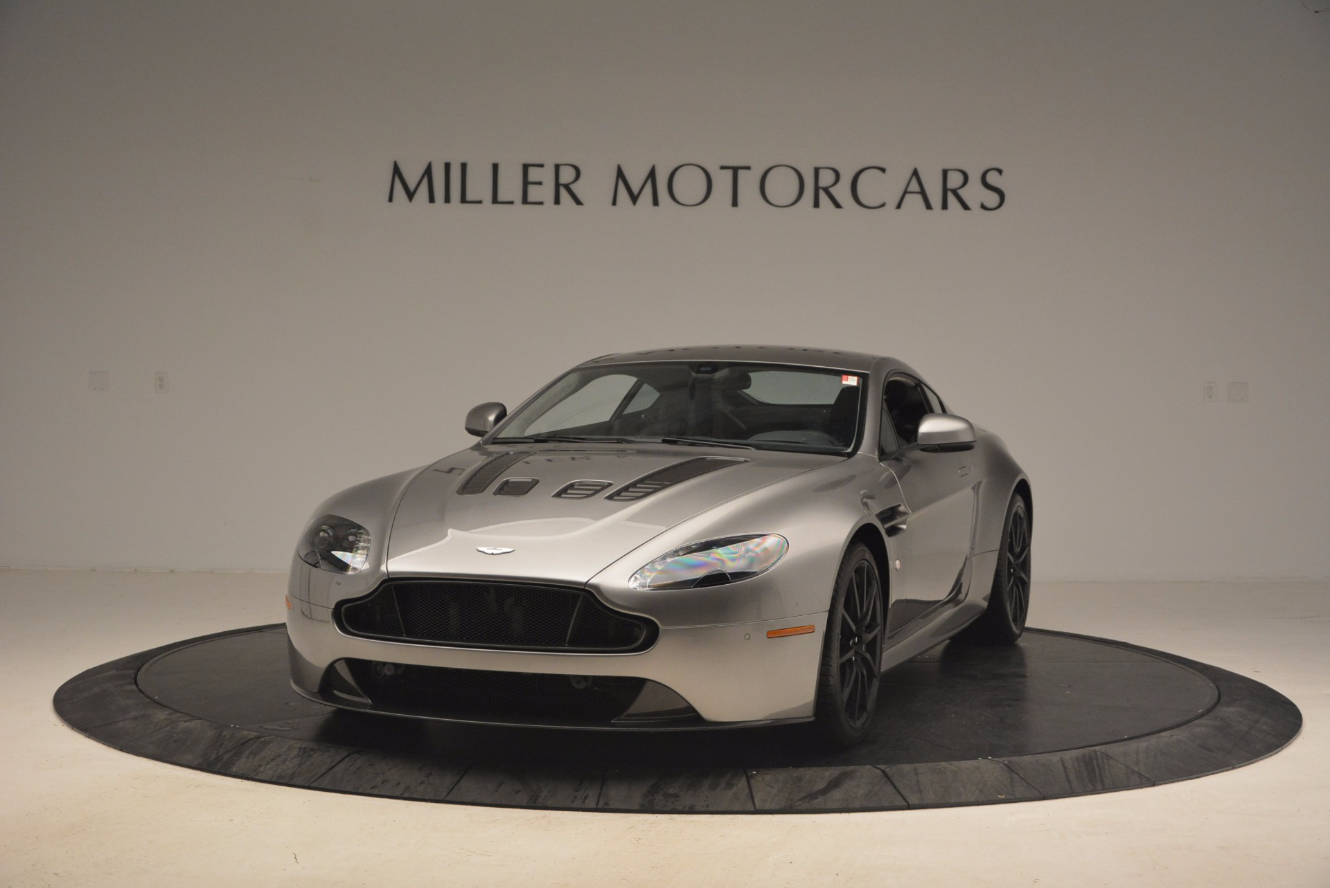 Used 2017 Aston Martin V12 Vantage S  | Greenwich, CT