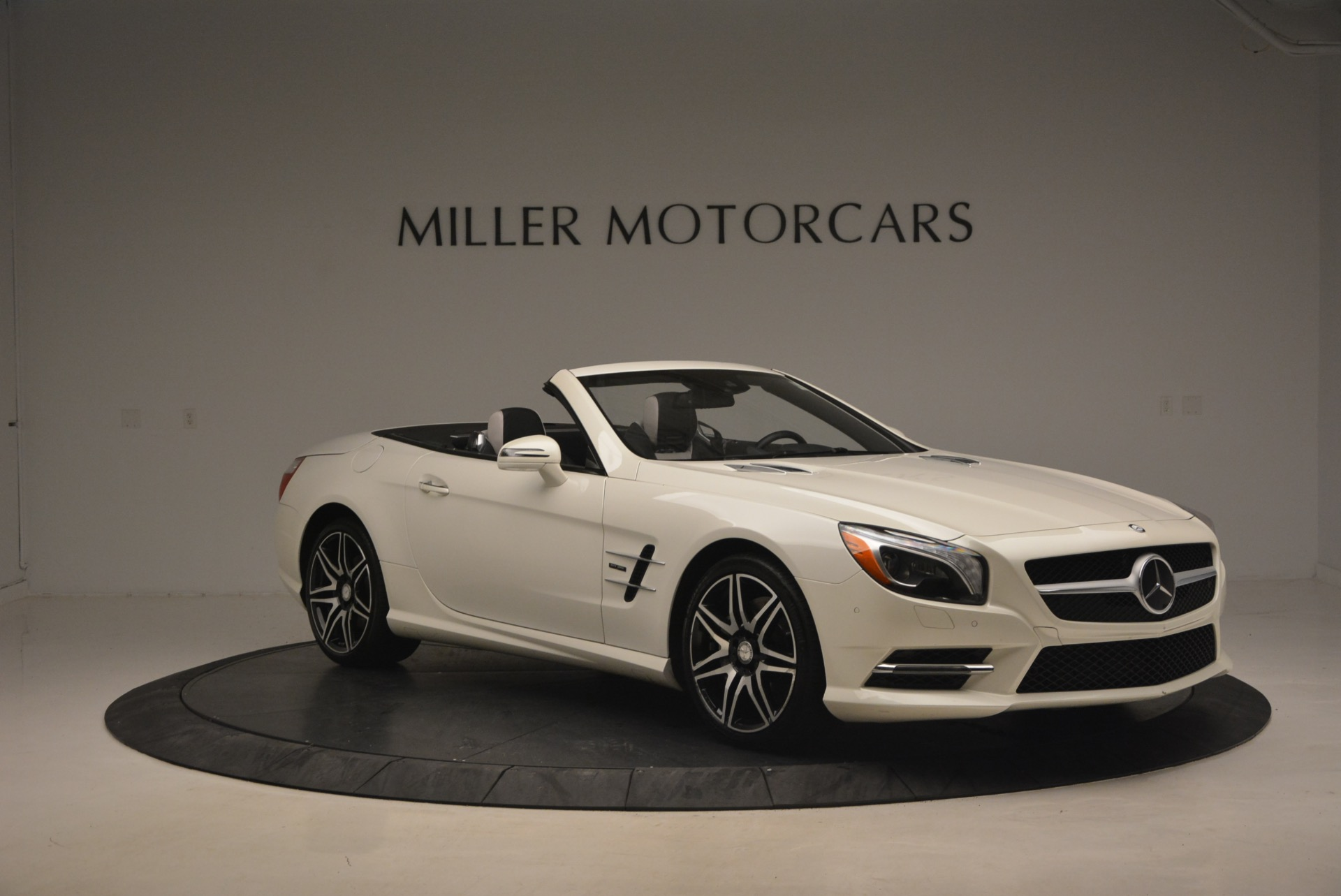 Used 2015 Mercedes Benz SL Class SL 550