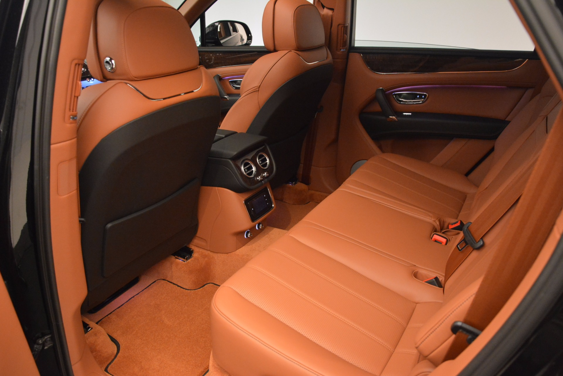 Used 2018 Bentley Bentayga Onyx