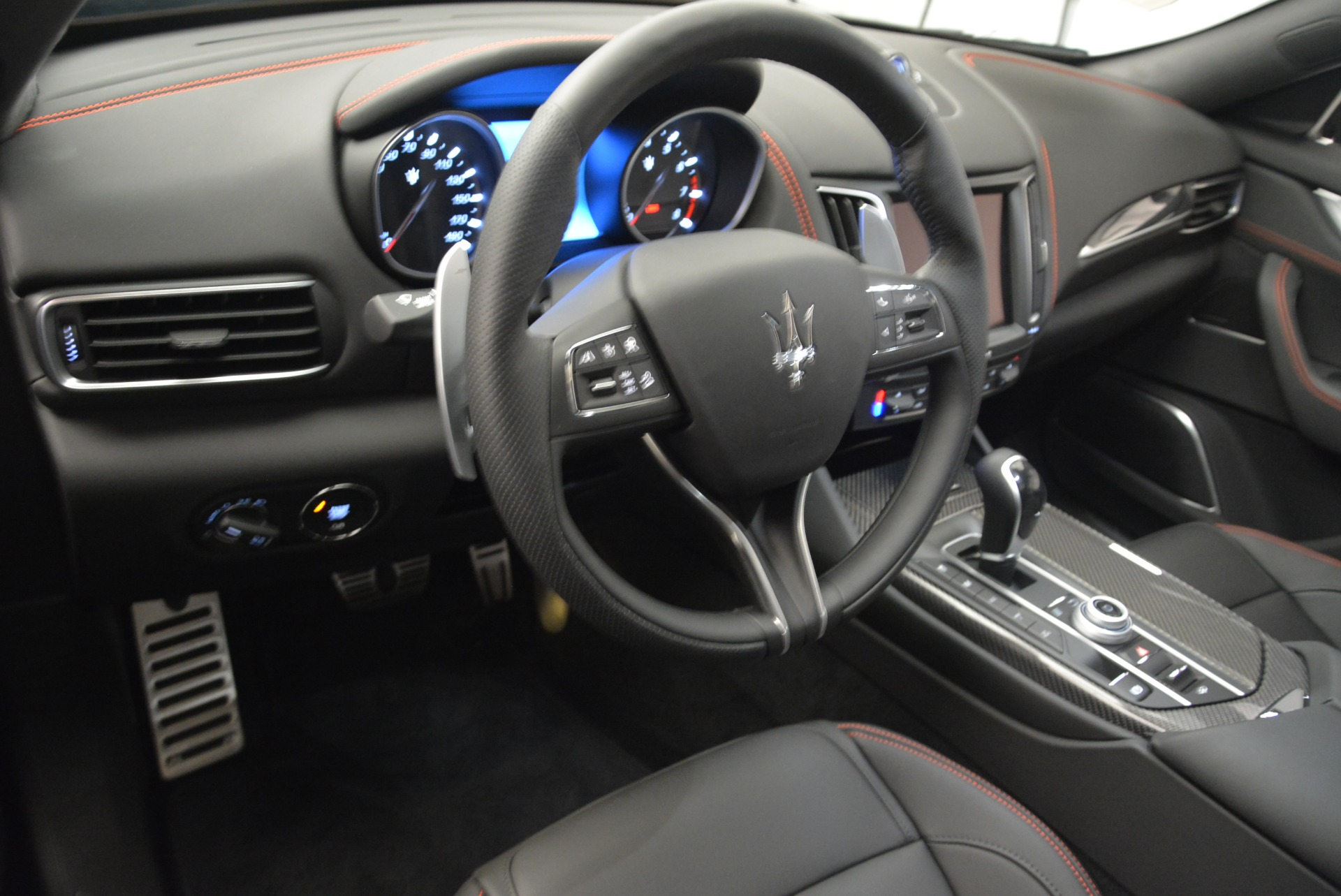 New 2018 Maserati Levante S Q4 GranSport Nerissimo