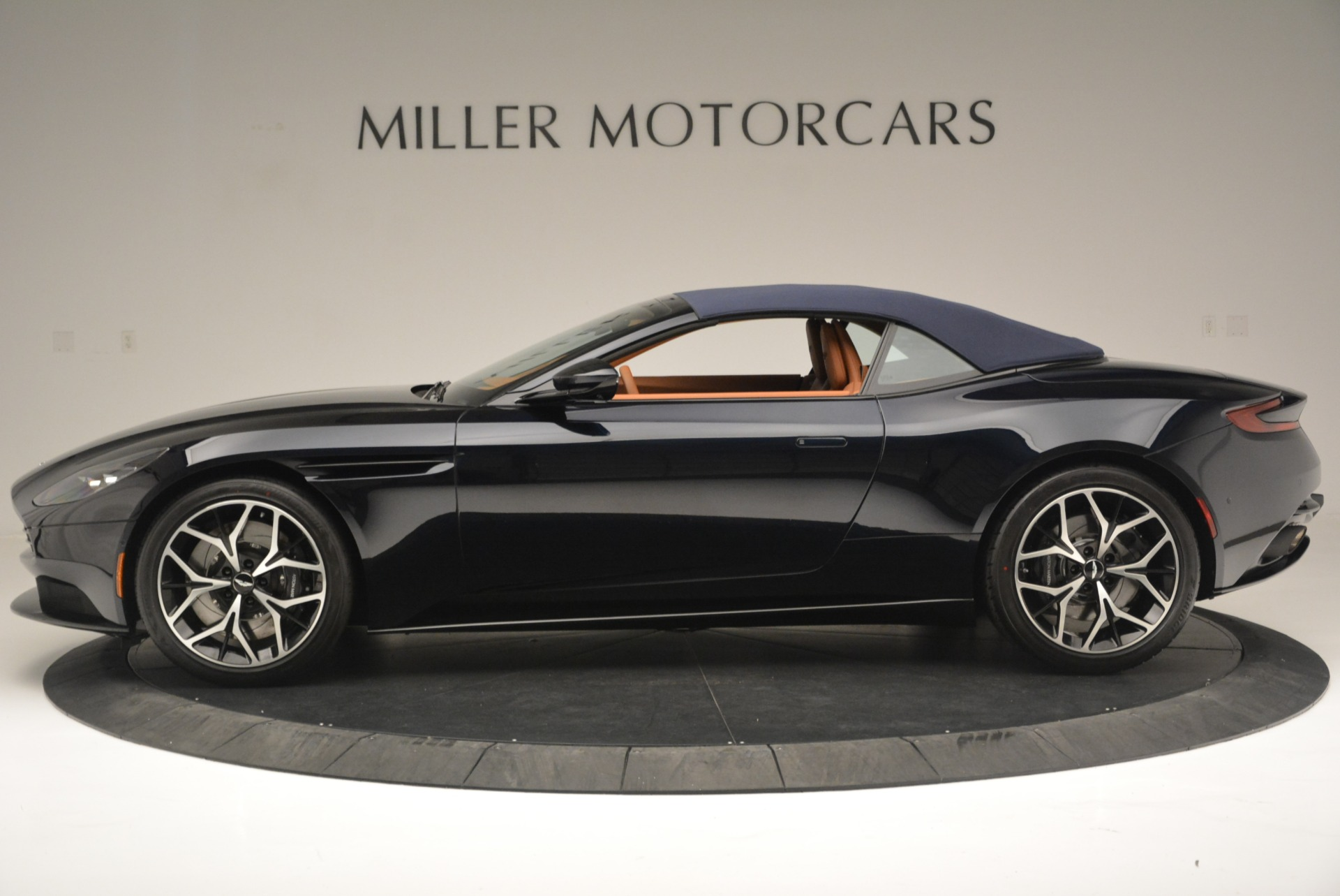 New 2019 Aston Martin DB11 Volante Volante