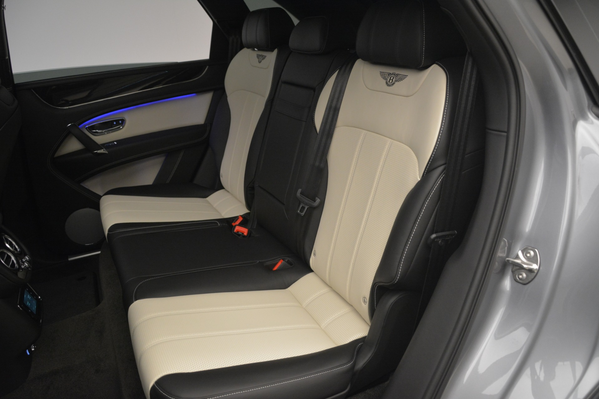 New 2019 Bentley Bentayga V8