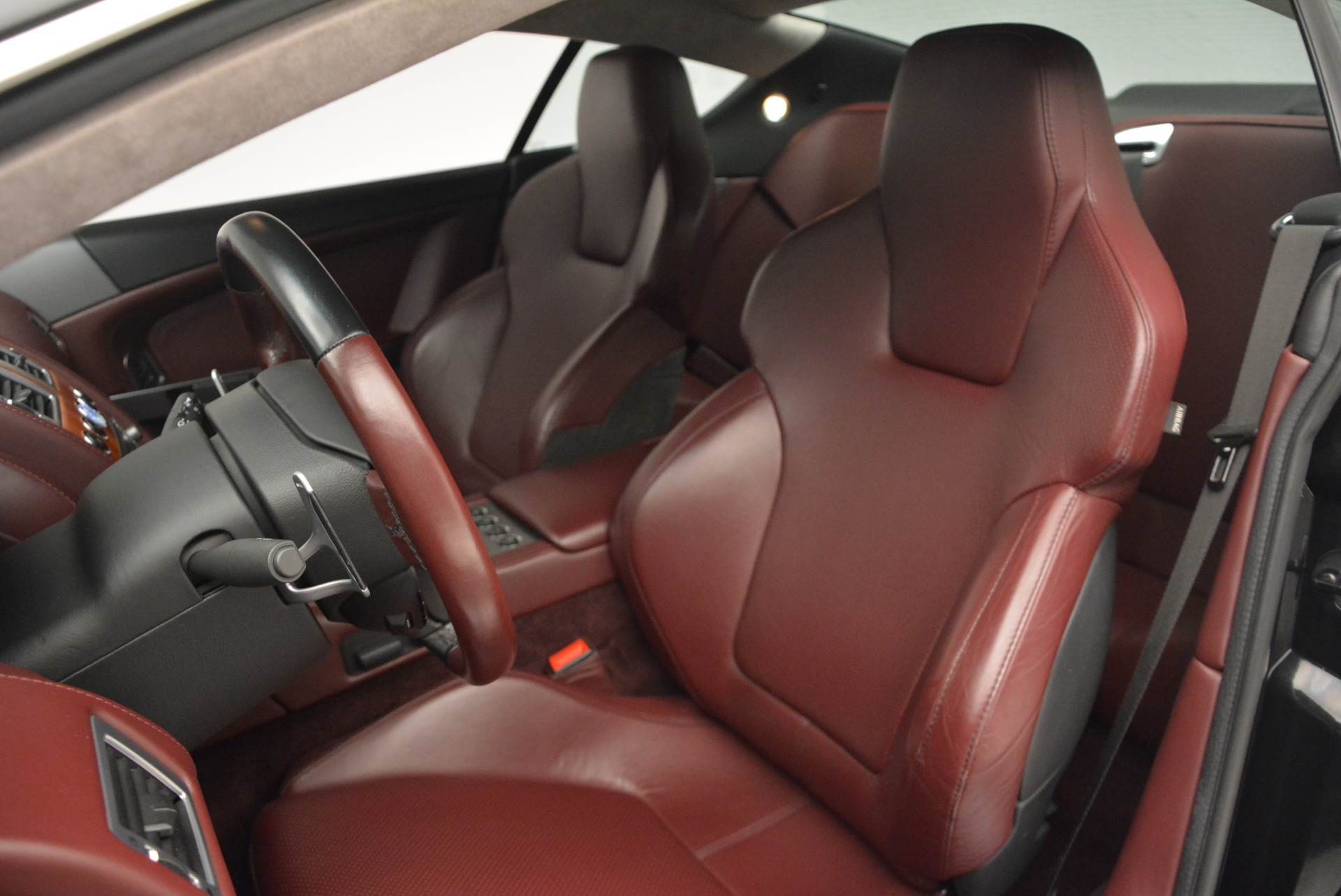Used 2006 Aston Martin DB9 Coupe