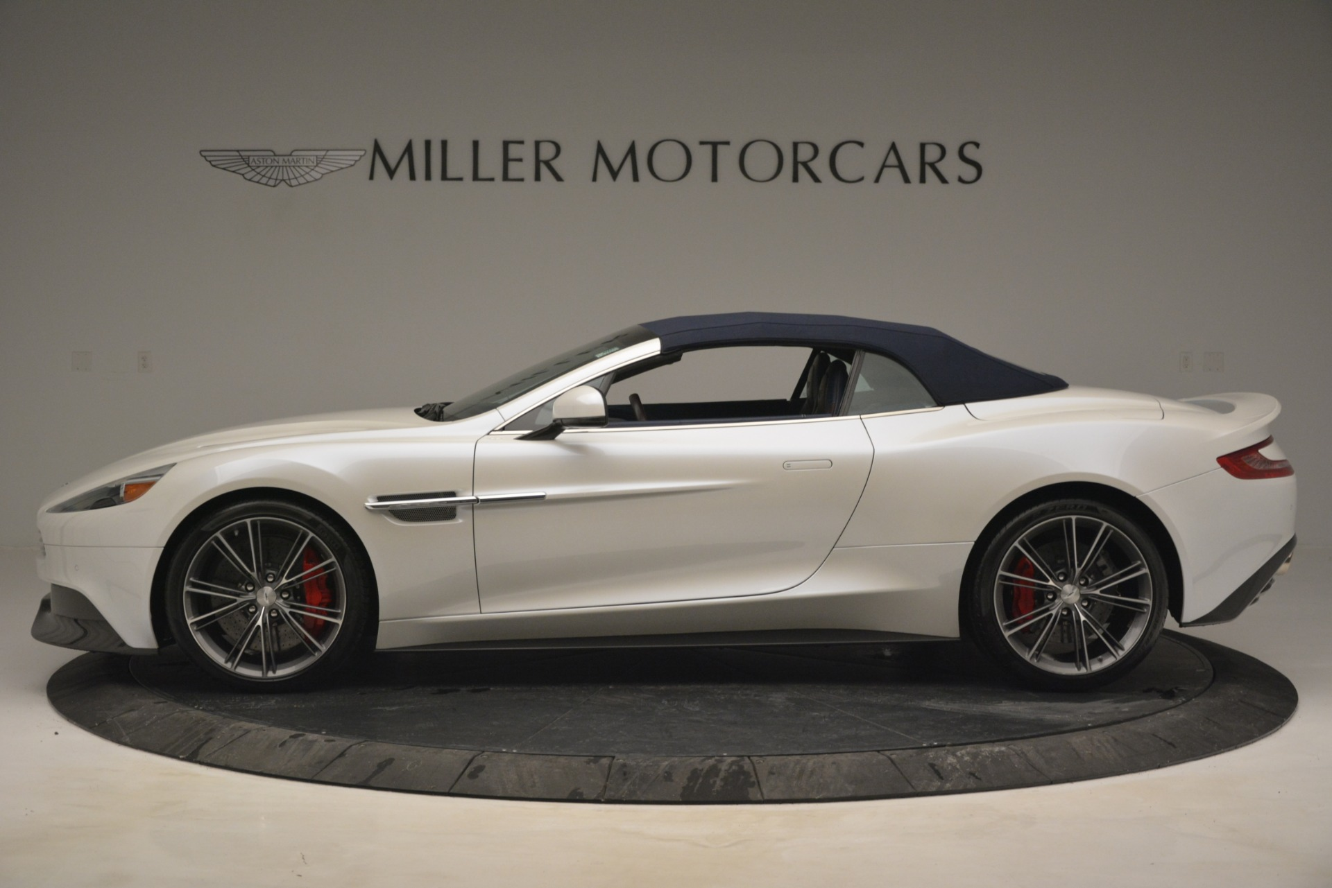 Used 2015 Aston Martin Vanquish Convertible
