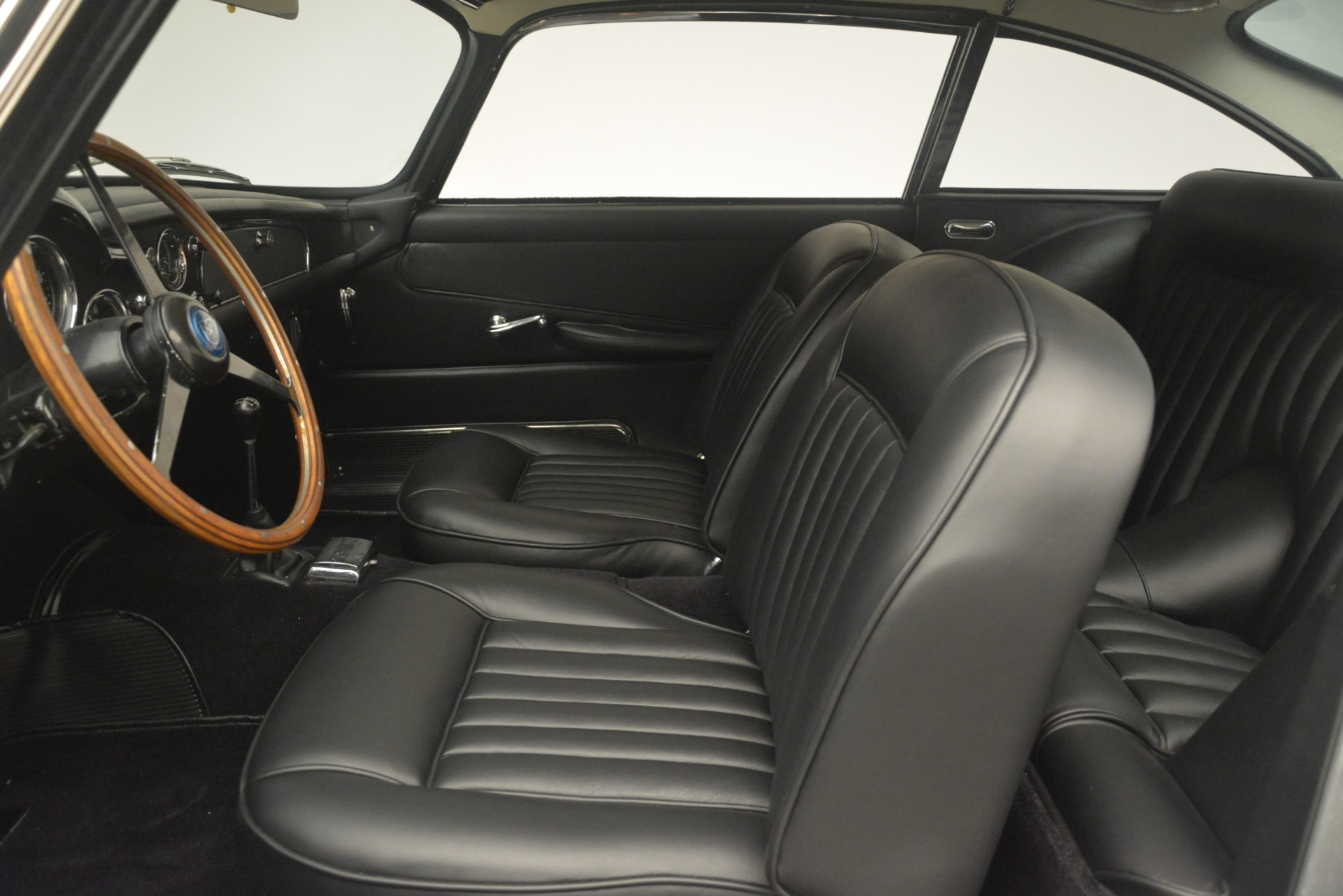 Used 1961 Aston Martin DB4 Series IV Coupe