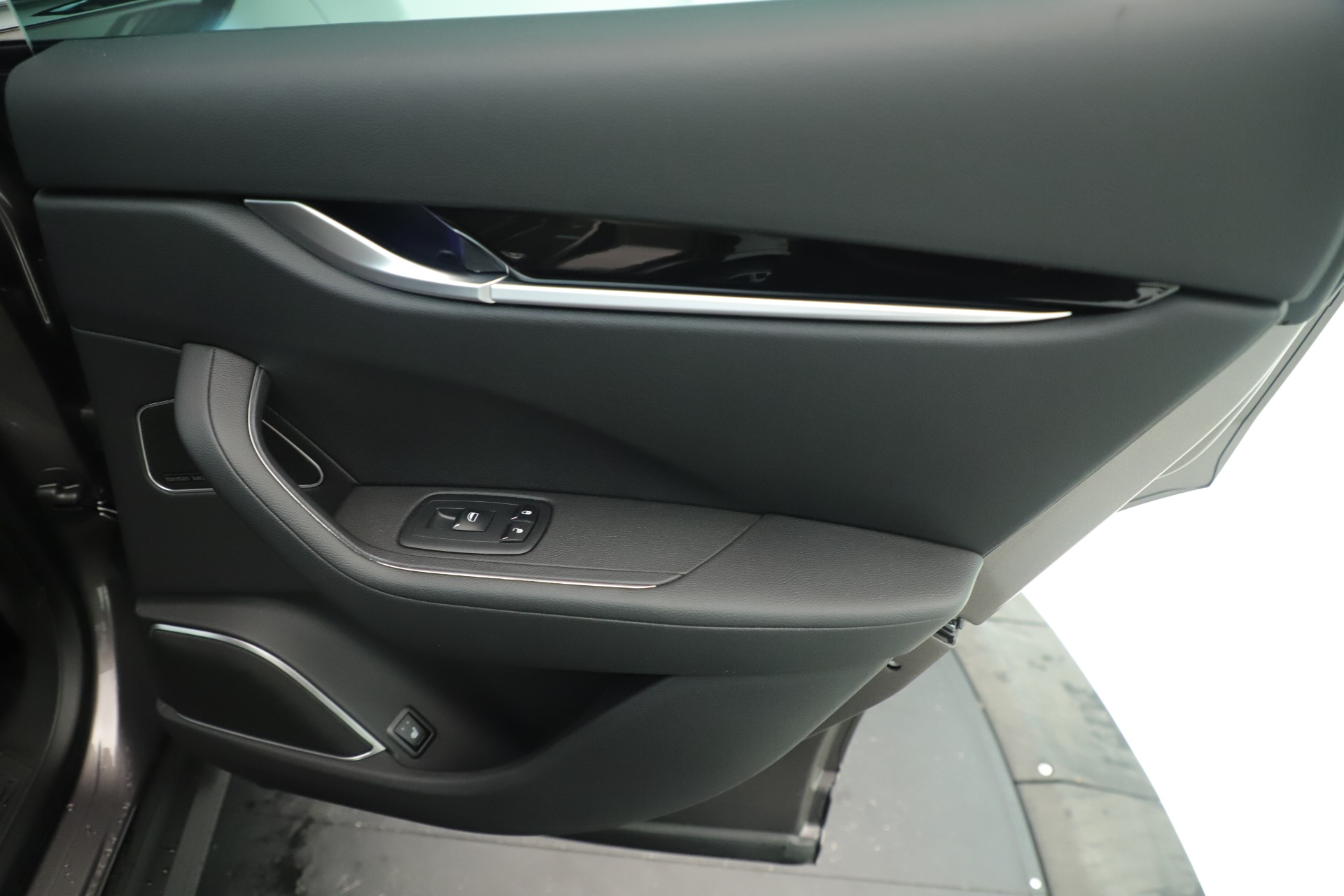 New 2019 Maserati Levante Q4 Nerissimo