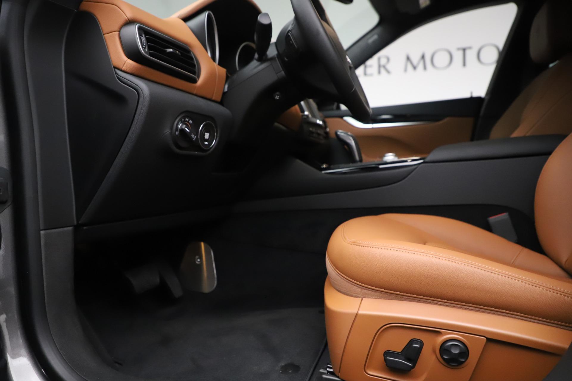 New 2019 Maserati Levante Q4