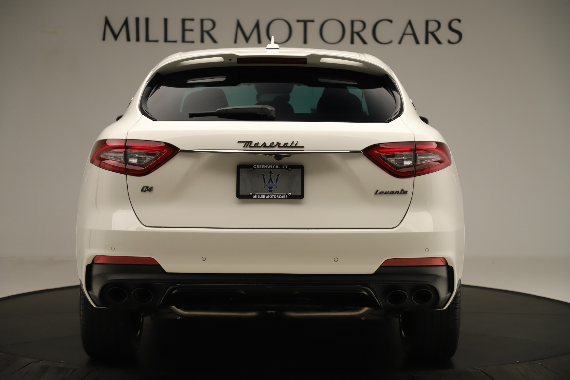 New 2019 Maserati Levante Q4 GranSport Nerissimo