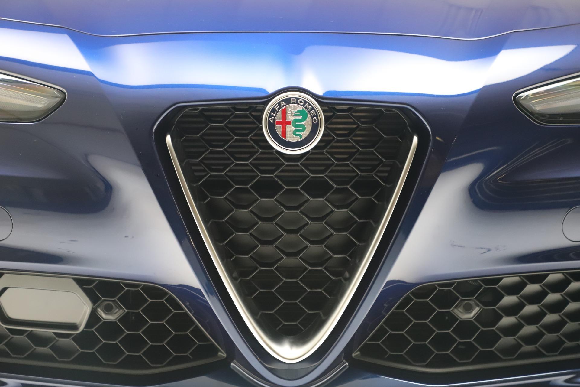 New 2019 Alfa Romeo Giulia Ti Lusso Q4