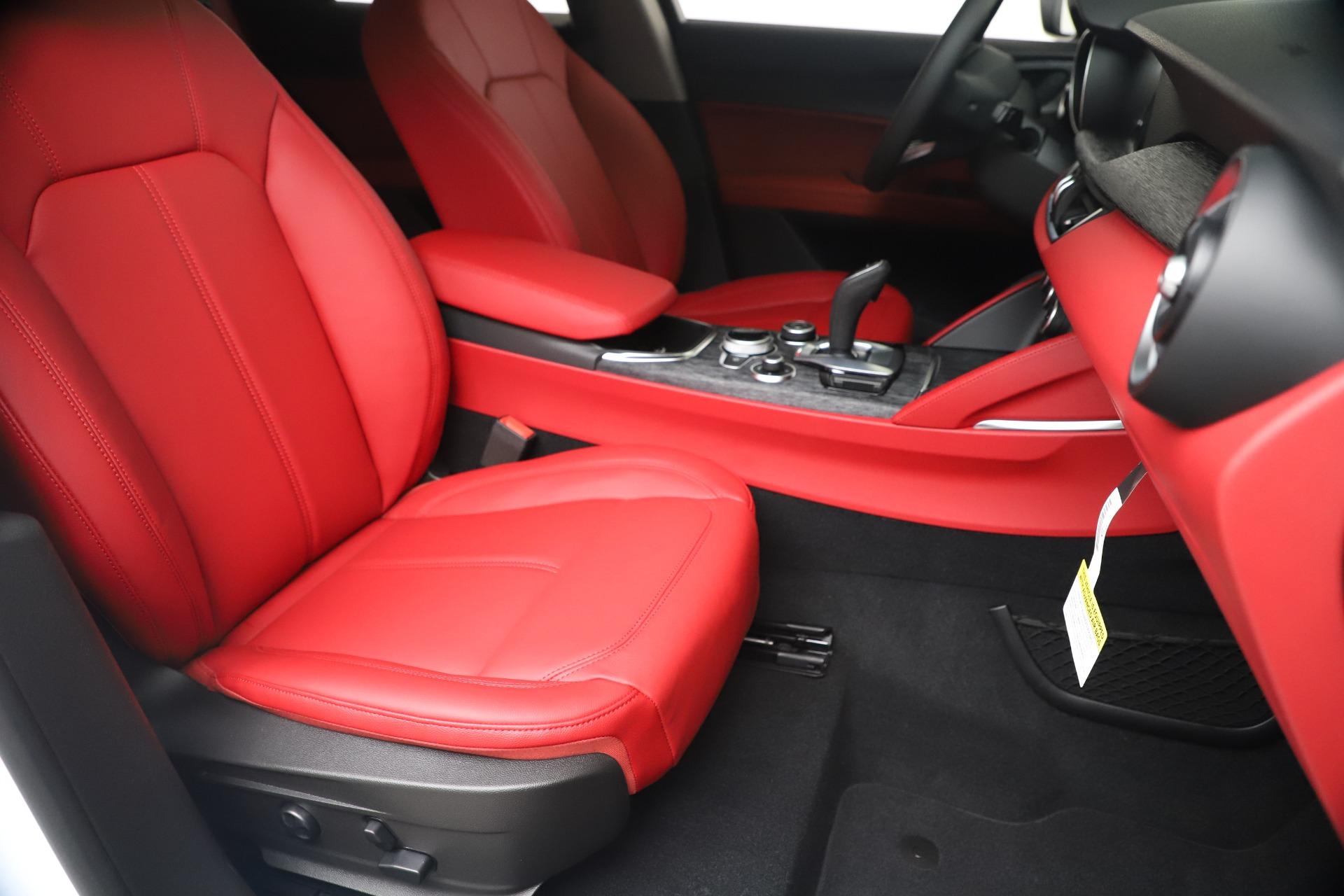 New 2020 Alfa Romeo Stelvio Sport Q4