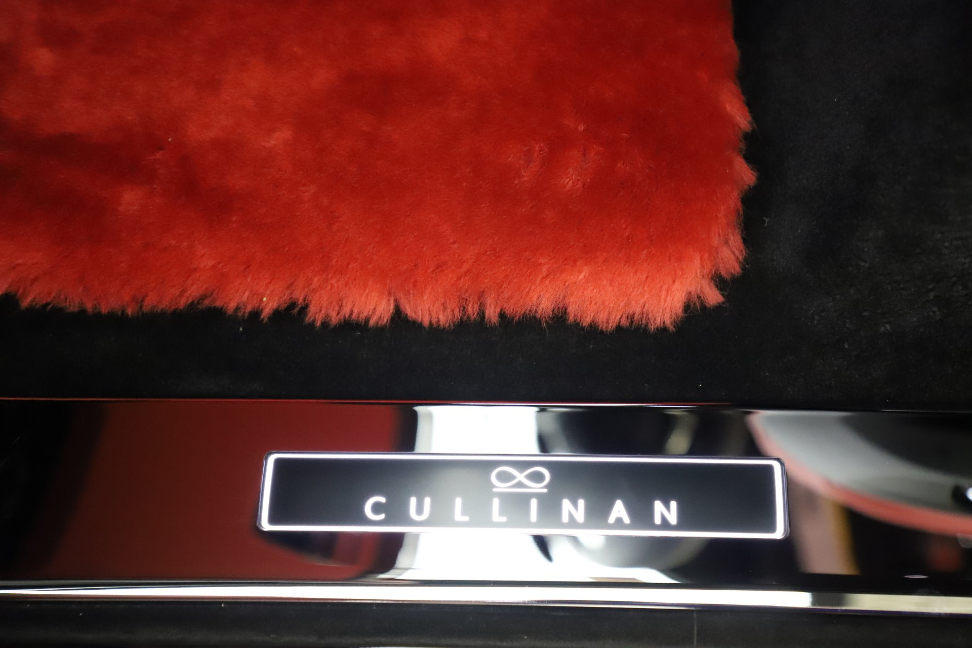 New 2020 Rolls Royce Cullinan Black Badge