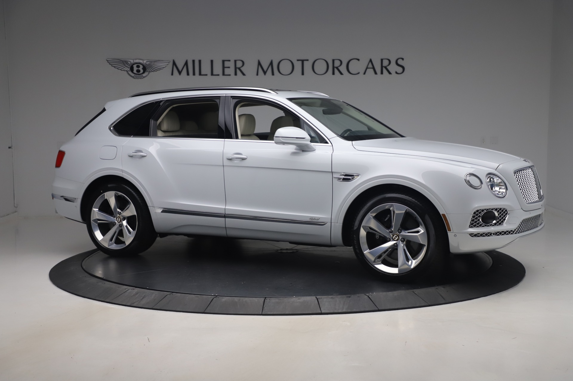 Used 2020 Bentley Bentayga Hybrid