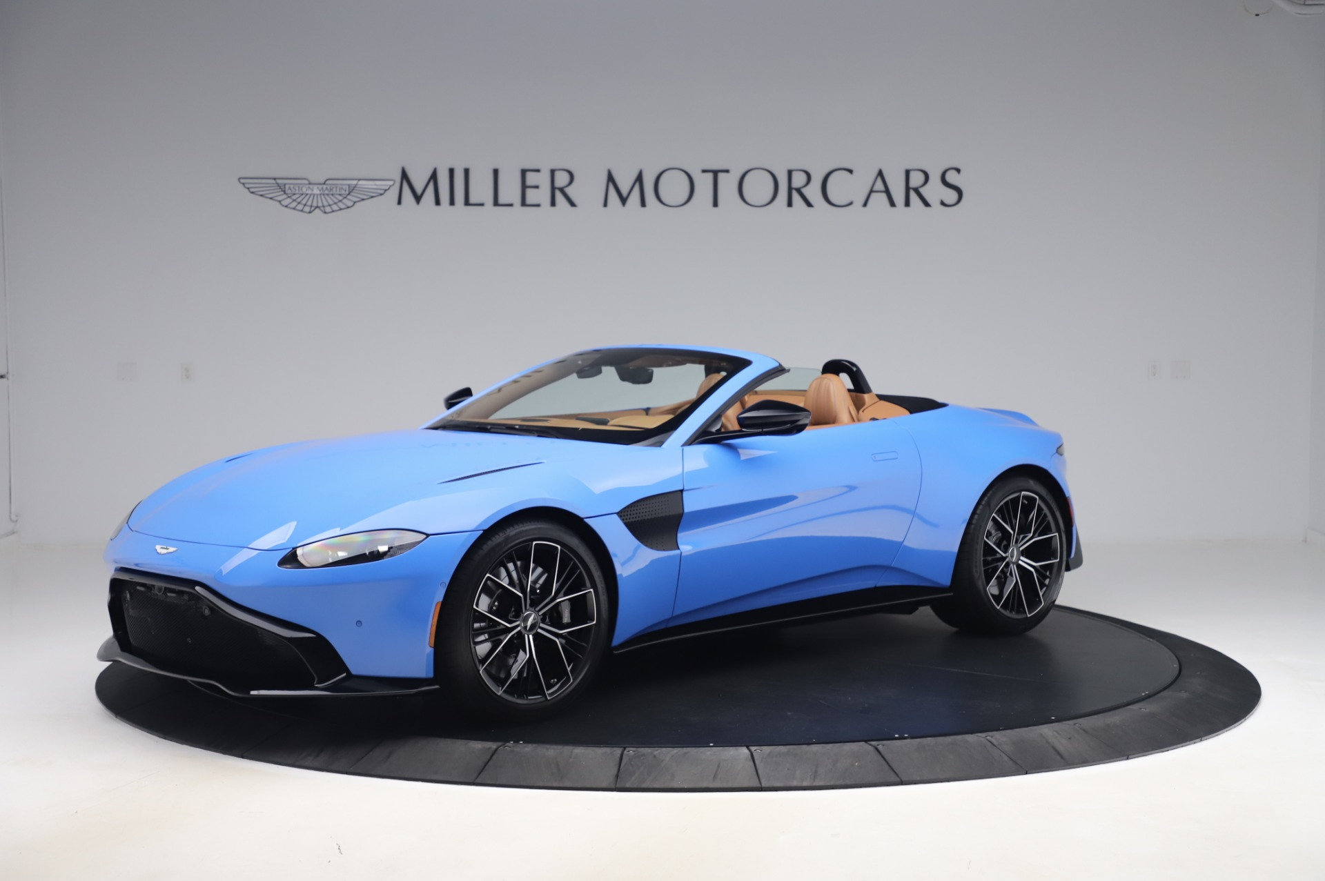 New 2021 Aston Martin Vantage Roadster | Greenwich, CT