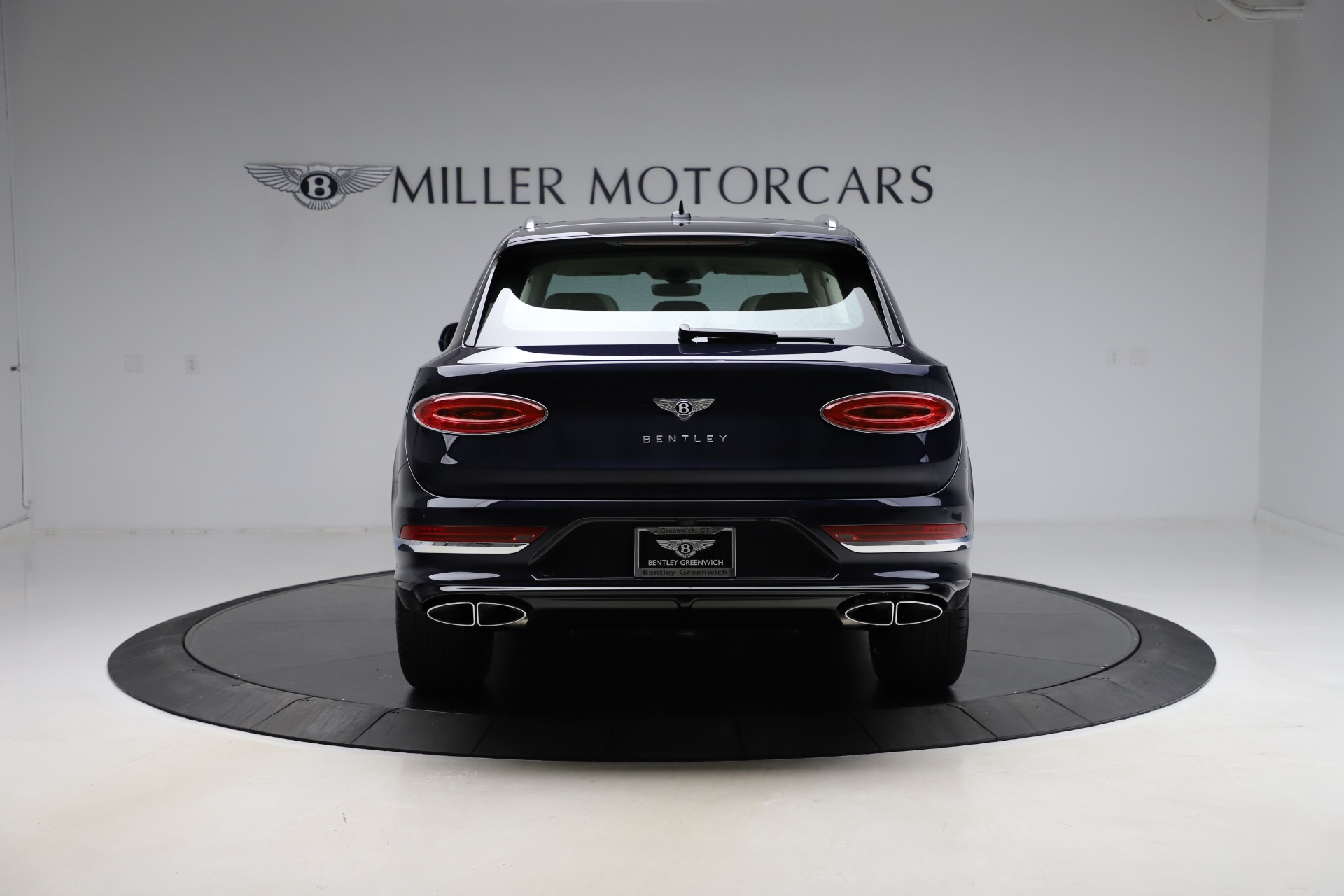 New 2021 Bentley Bentayga V8