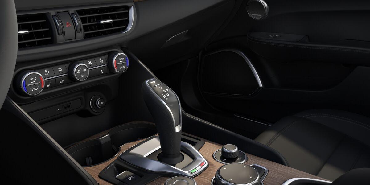 New 2020 Alfa Romeo Giulia Ti Lusso Q4