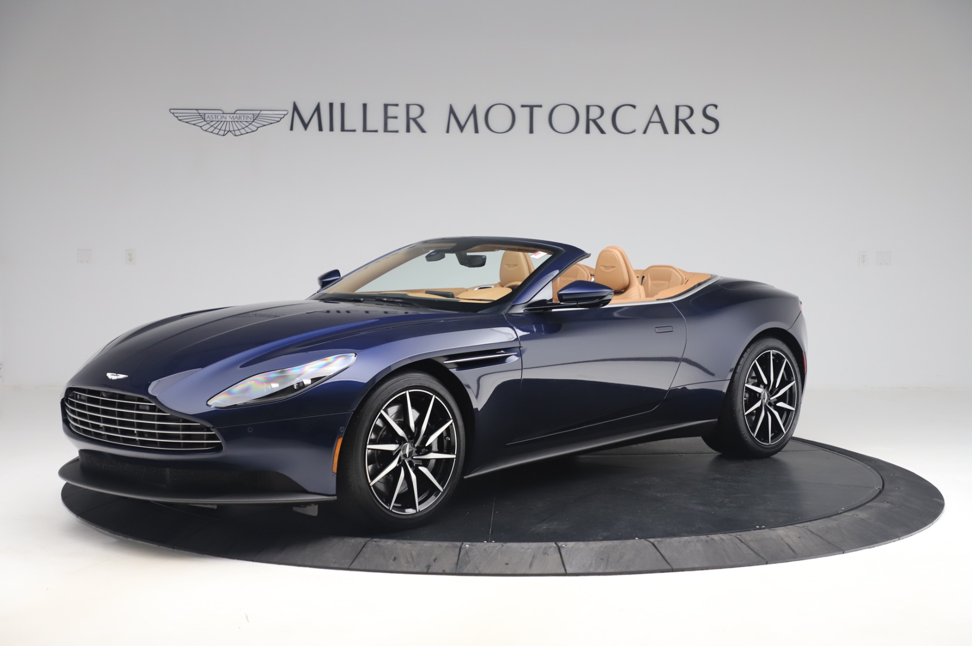 New 2020 Aston Martin DB11 Volante Volante | Greenwich, CT