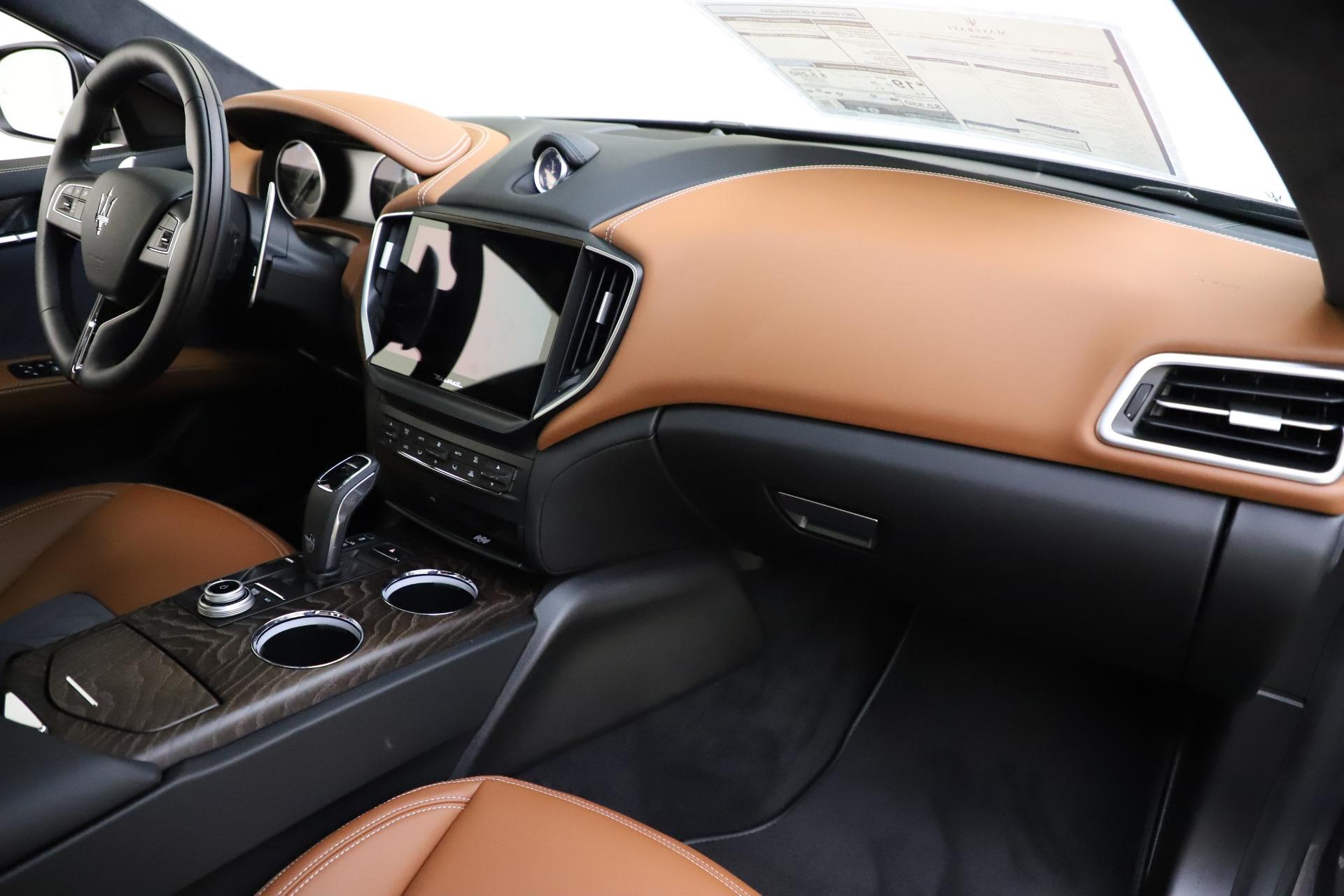 New 2021 Maserati Ghibli S Q4 GranLusso