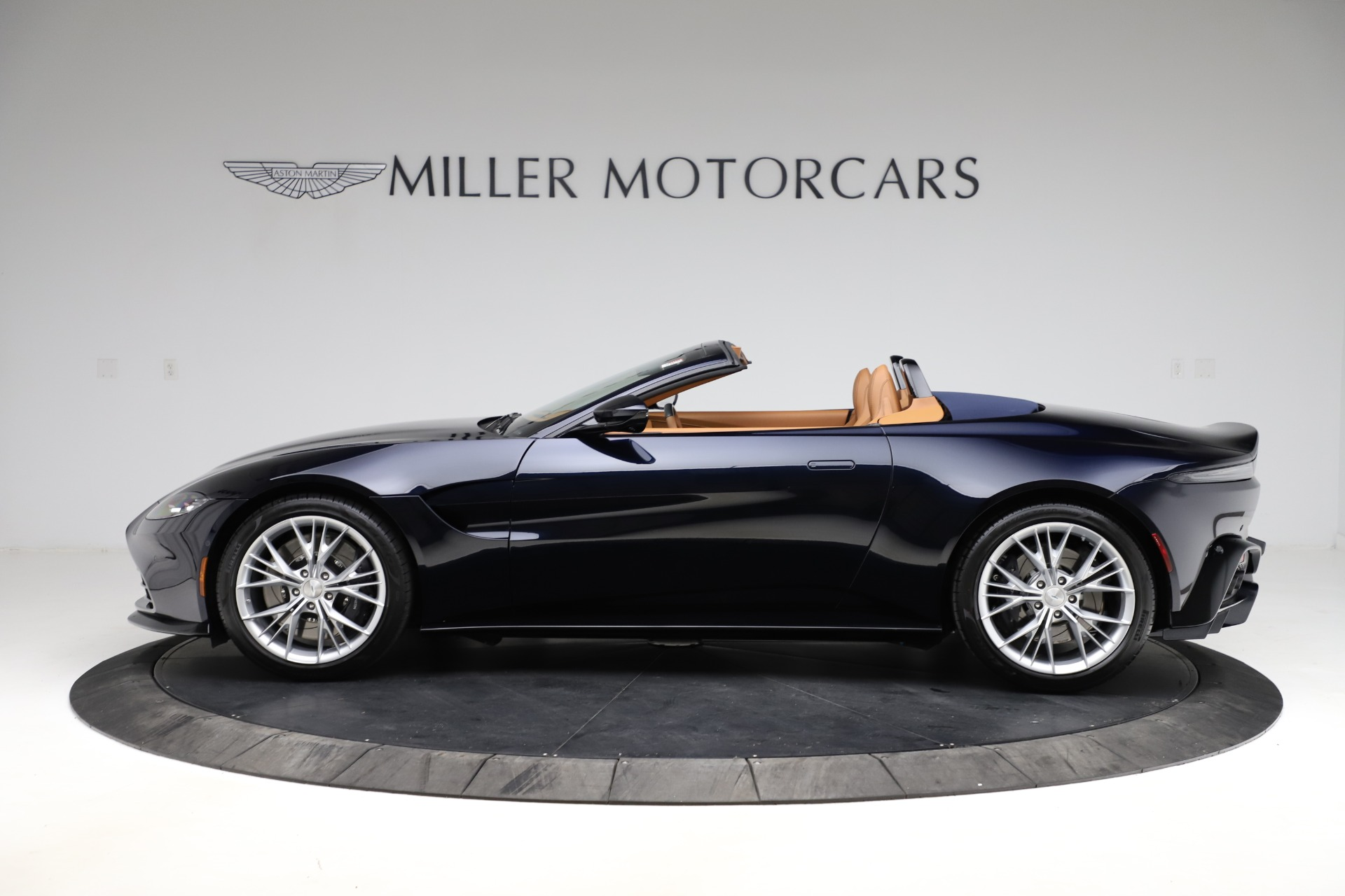 New 2021 Aston Martin Vantage Roadster Convertible