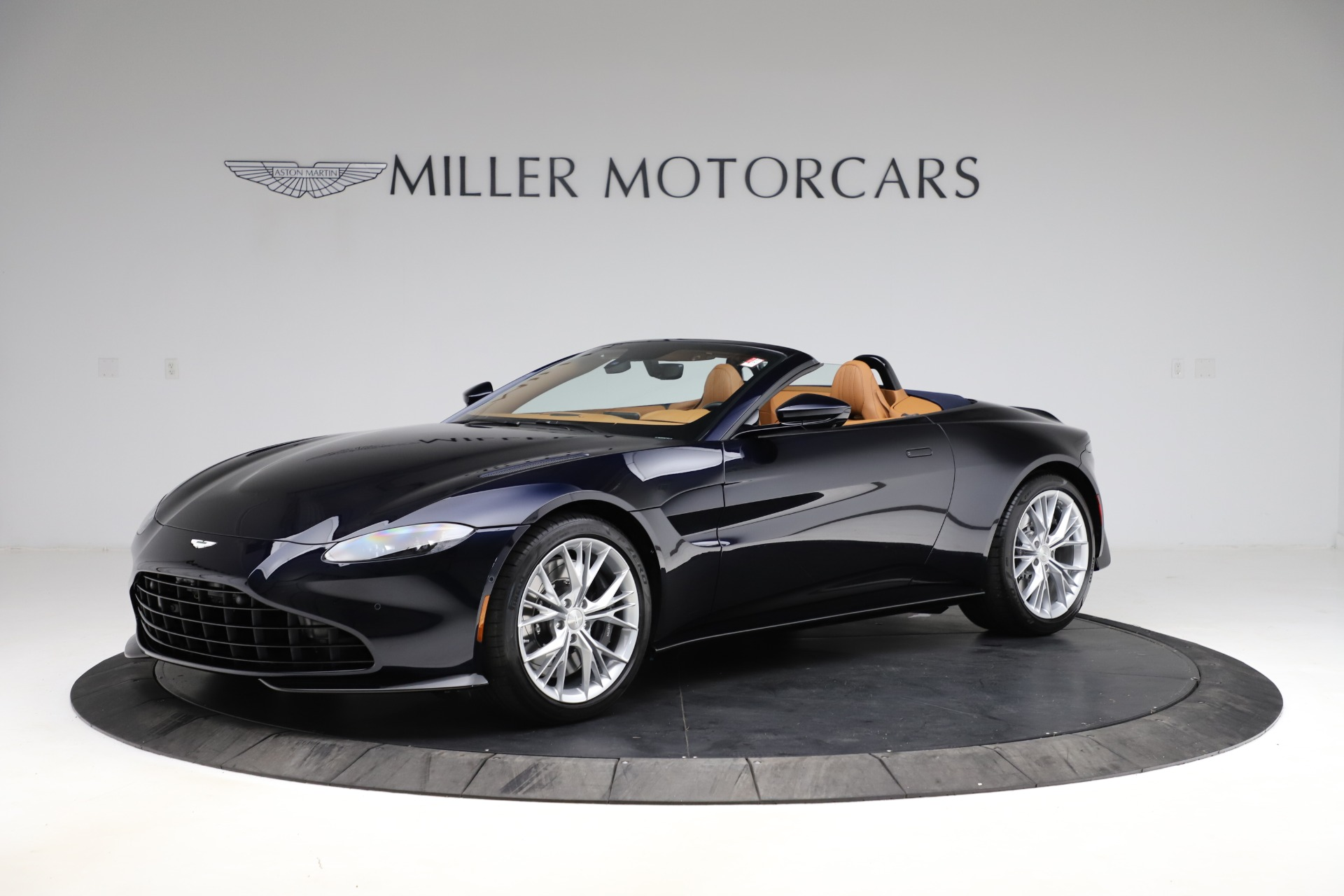 New 2021 Aston Martin Vantage Roadster Convertible | Greenwich, CT
