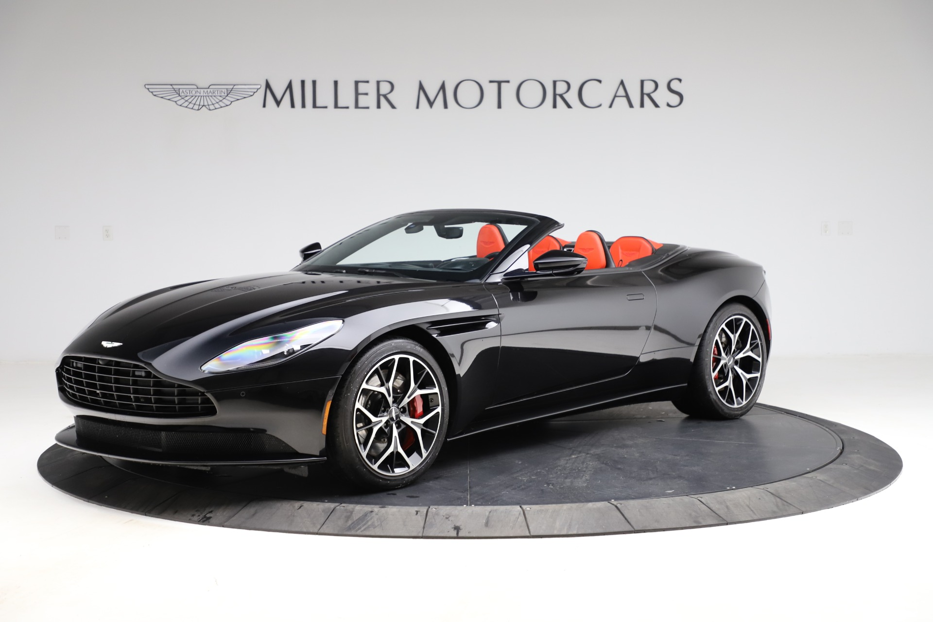 Used 2019 Aston Martin DB11 Volante Volante | Greenwich, CT