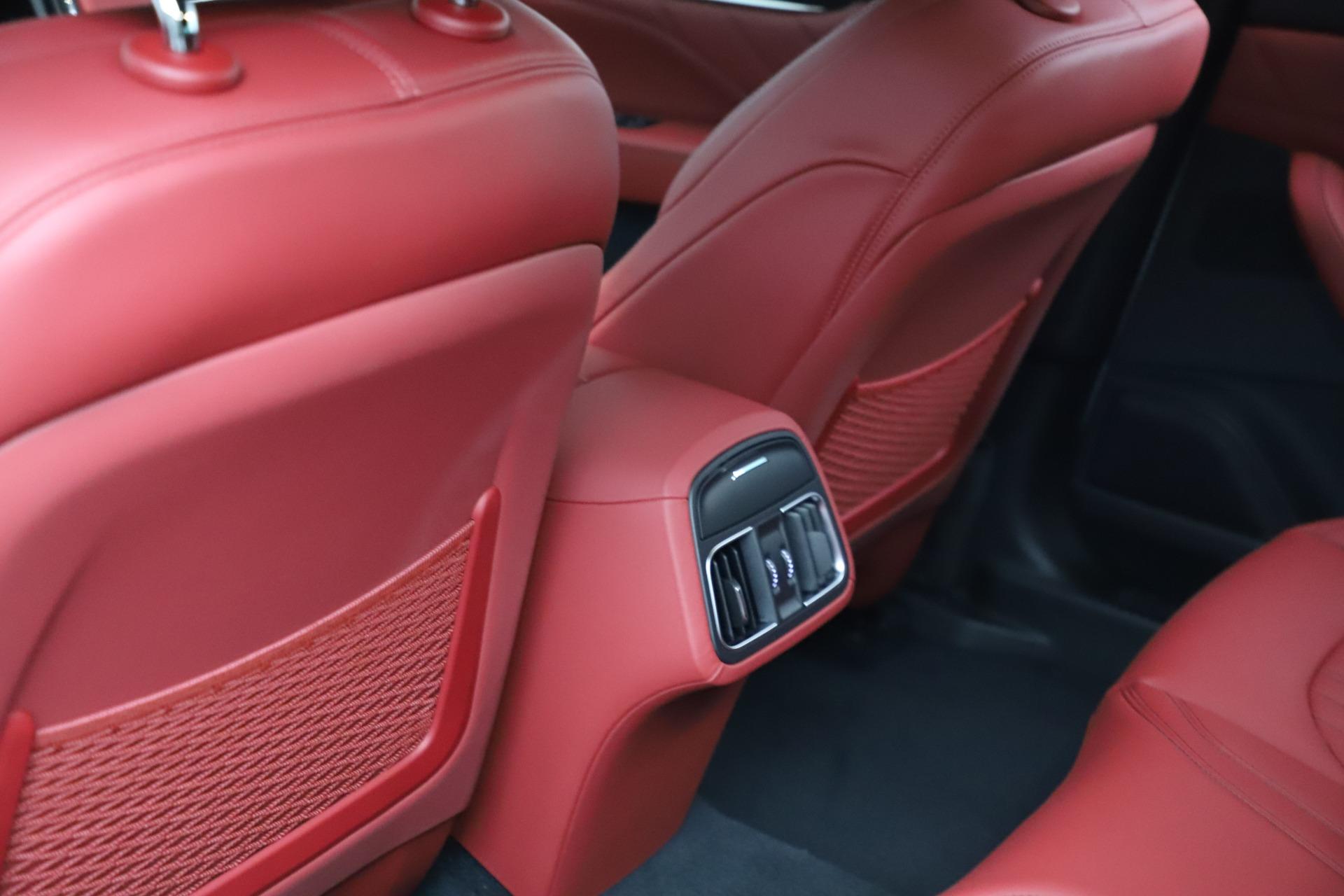 New 2021 Maserati Levante Q4