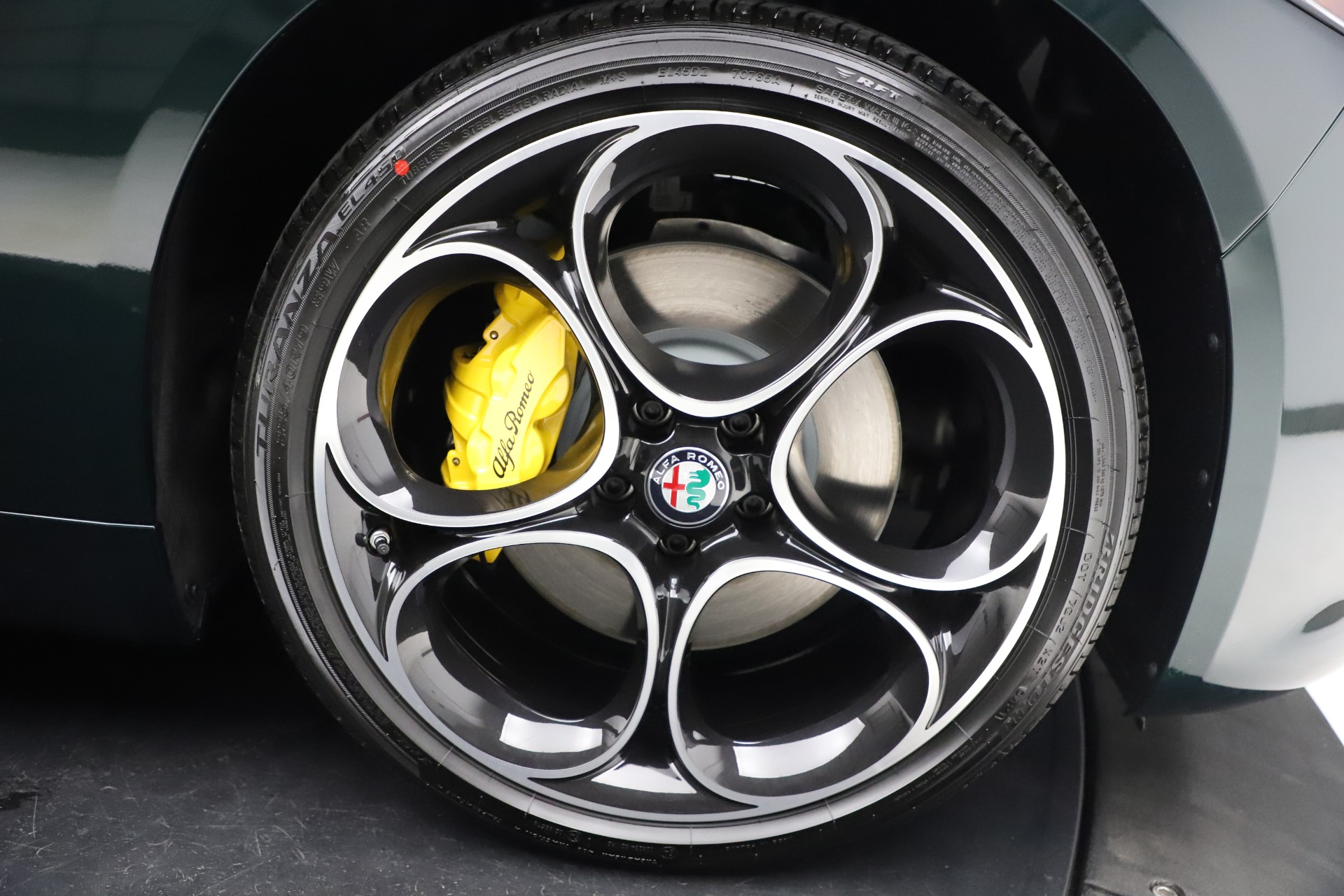 New 2021 Alfa Romeo Giulia Ti Sport Q4