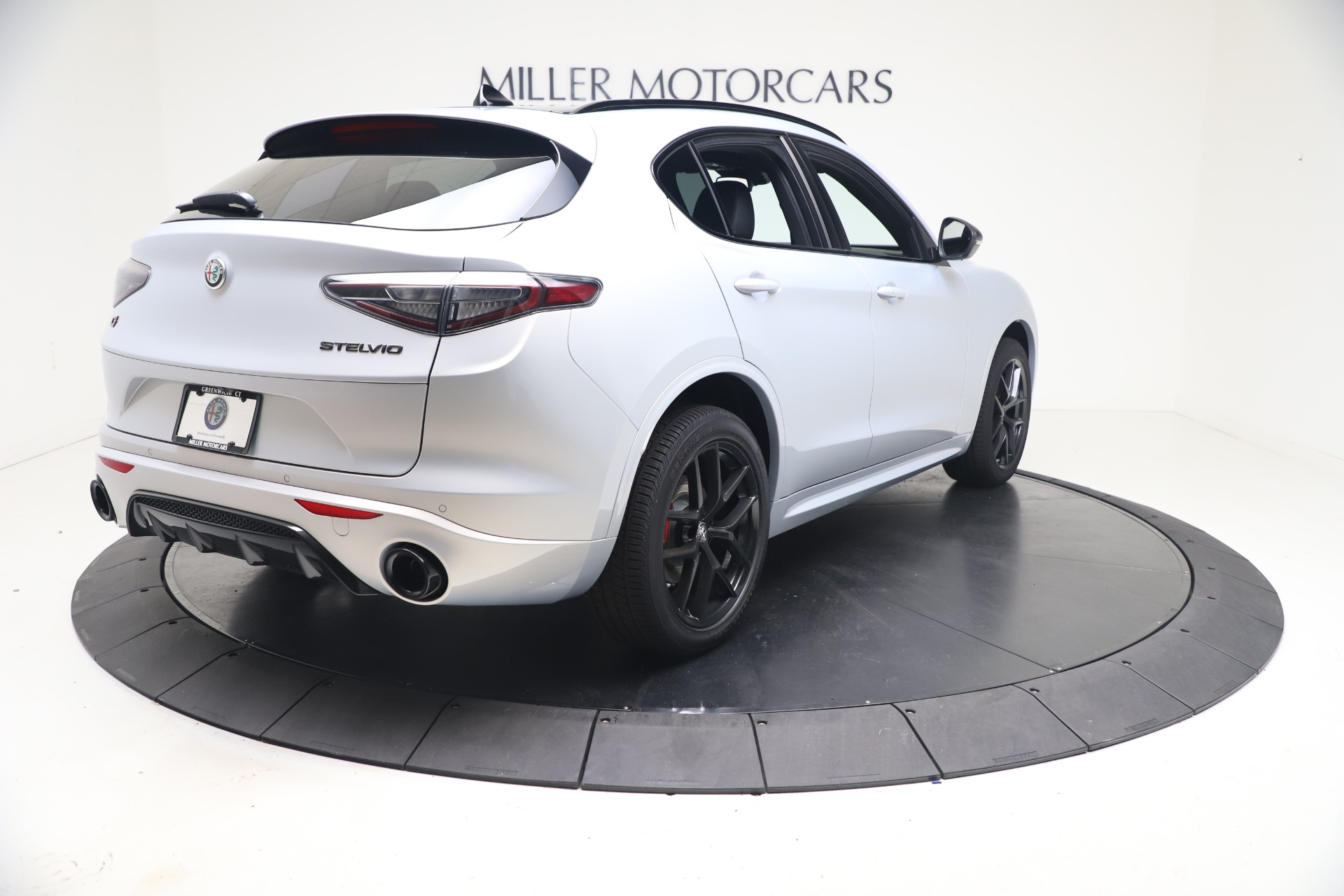 New 2021 Alfa Romeo Stelvio Ti Sport Q4