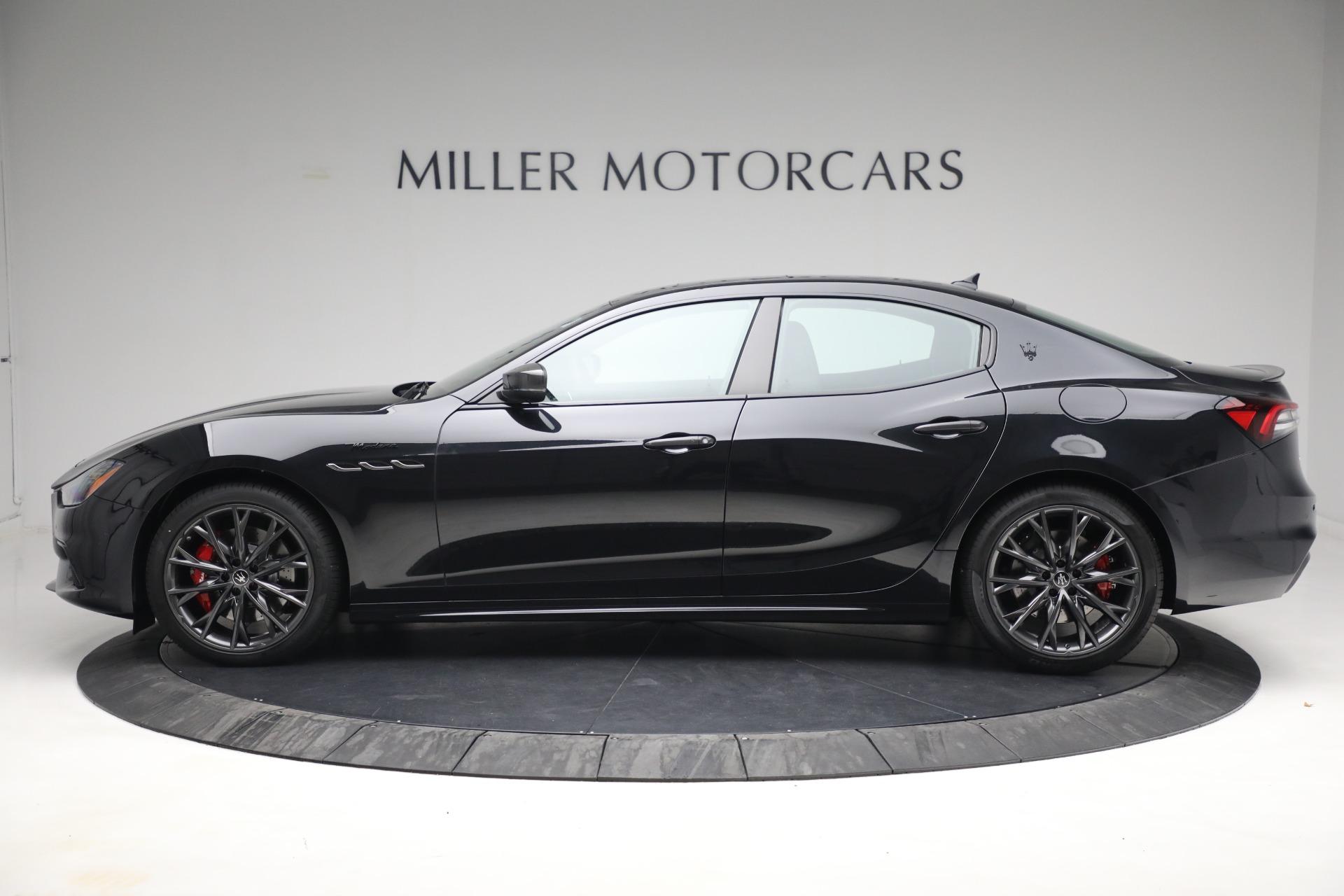New 2022 Maserati Ghibli Modena Q4