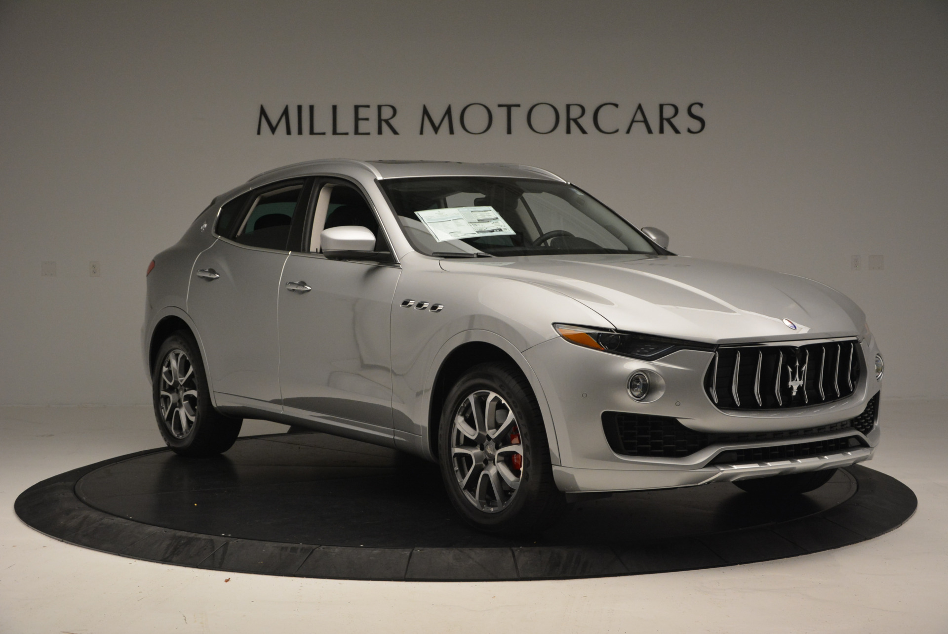 New 2017 Maserati Levante 350hp